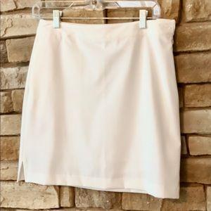 Dresses & Skirts - EP Pro Tour Tech White golf skirt/skort Size 4